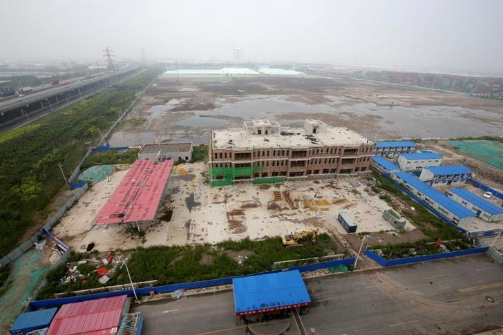An overview shows the site of the explosions on August 12, 2015 at the Binhai new district, Tianjin, China, August 9, 2016. REUTERS/Jason Lee/Files