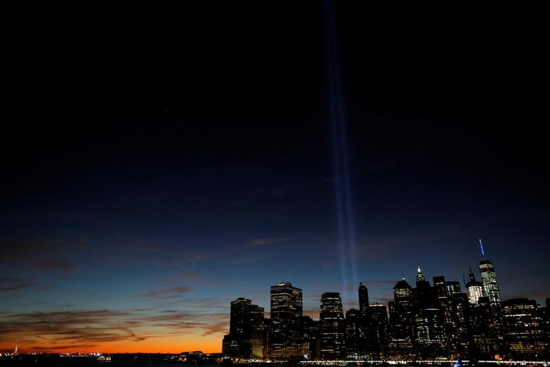The Tribute in Light shines on the 15th anniversary of the 9/11 attacks in Manhattan, New York, September 11, 2016. REUTERS/Andrew Kelly