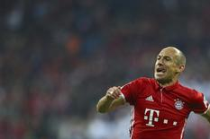 Football Soccer - Bayern Munich v Hertha BSC Berlin - German Bundesliga - Allianz -Arena, Munich, Germany - 21/09/16 Bayern Munich's Arjen Robben reacts after scoring a goal REUTERS/Michael Dalder