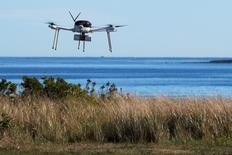 Les députés français ont adopté à l'unanimité mardi, après l'avoir modifié, une proposition de loi sénatoriale qui vise à durcir la législation sur l'utilisation de drones civils. /Photo prise le 22 septembre 2016/REUTERS/Brian Snyder
