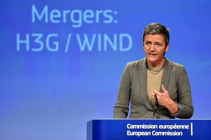 EU Competition Commissioner Margrethe Vestager gestures during a news conference on the approval of the Hutchison-Vimpelcom deal at the European Commission in Brussels, Belgium September 1, 2016. REUTERS/Eric Vidal/Files