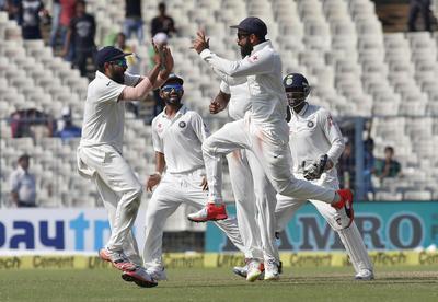 India beat New Zealand in Kolkata test