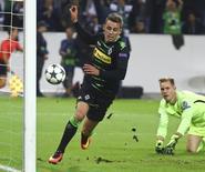 Goleiro Marc-André ter Stegen durante partida contra Borussia Moenchengladbach na Liga dos Campeões.   28/09/2016          REUTERS/Kai Pfaffenbach