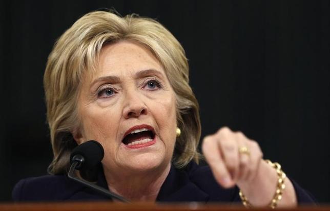 10月4日、米大統領選挙の民主党候補、クリントン氏(写真)は、女性の外見について侮辱的な発言をしたとして、共和党候補のトランプ氏を強く批判した。2015年10月撮影(2016年 ロイター/Jonathan Ernst)