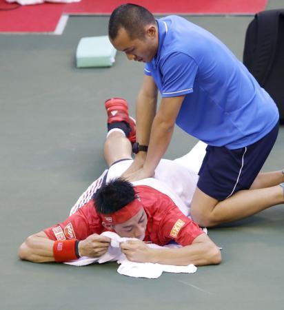 テニスの錦織、2回戦で途中棄権