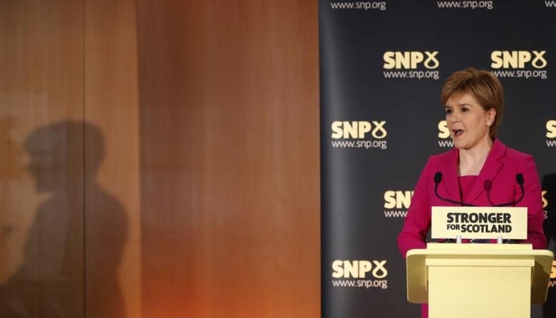 Scotland's First Minister Nicola Sturgeon speaks at the launch of the Scottish National Party's (SNP) ''biggest ever political listening exercise'', in Stirling, Scotland, Britain September 2, 2016. REUTERS/Russell Cheyne