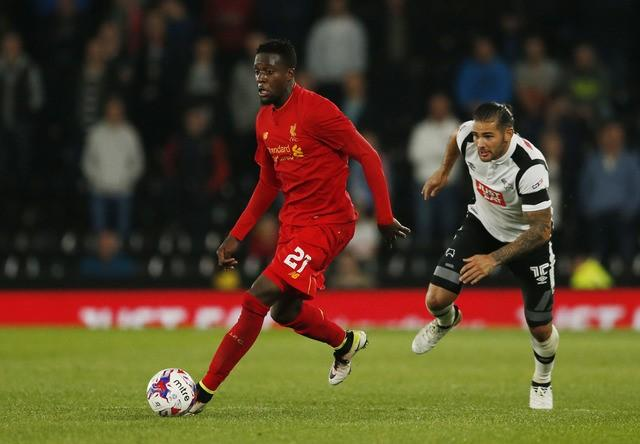 Britain Football Soccer - Derby County v Liverpool - EFL Cup Third Round - iPro Stadium - 20/9/16Liverpool's Divock Origi in action with Derby's Bradley Johnson Action Images via Reuters / Andrew BoyersLivepic