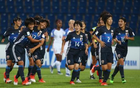 サッカー、日本3連勝で8強入り