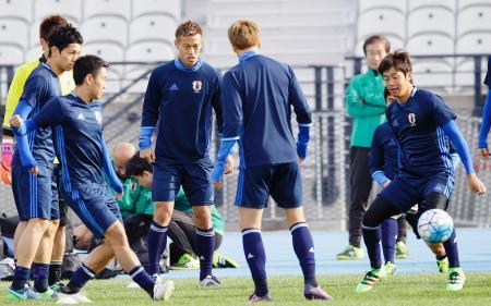 サッカー日本、非公開で戦術確認