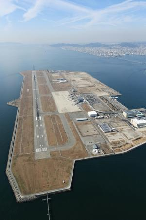 神戸空港運営権176億7千万円