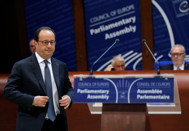 French President Francois Hollande arrives to address the Parliamentary Assembly of the Council of Europe in Strasbourg, France, October 11, 2016. REUTERS/Vincent Kessler