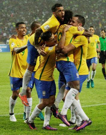 W杯南米予選、ブラジル首位浮上