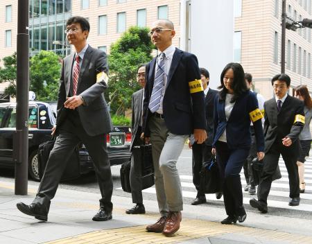 東京労働局、電通に立ち入り調査