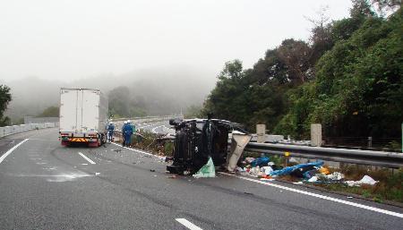 中国道で1人死亡5人けが、山口