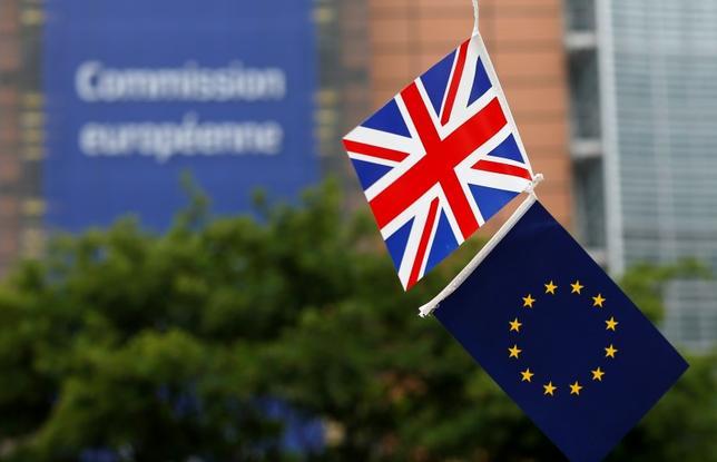 10月17日、英国のライト法務長官は英国が正式に欧州連合(EU)離脱に向けてEU基本条約(リスボン条約)50条を発動すれば、決定を覆すことはできないと述べた。写真は6月1日、ブリュッセルで(2016年 ロイター/Francois Lenoir)