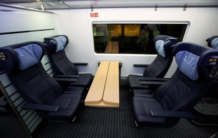 A general view of the first class compartment inside a new ICE 4 high speed train of German railway operator Deutsche Bahn after the arrival at Hauptbahnhof main railway station in Berlin, Germany, September 14, 2016.    REUTERS/Fabrizio Bensch