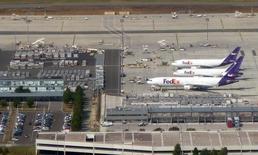 FedEx annonce un investissement de 1,4 milliard d'euros pour plus que doubler la capacité de sa plateforme logistique de Roissy-Charles-de-Gaulle. /Photo d'archives/REUTERS/Charles Platiau