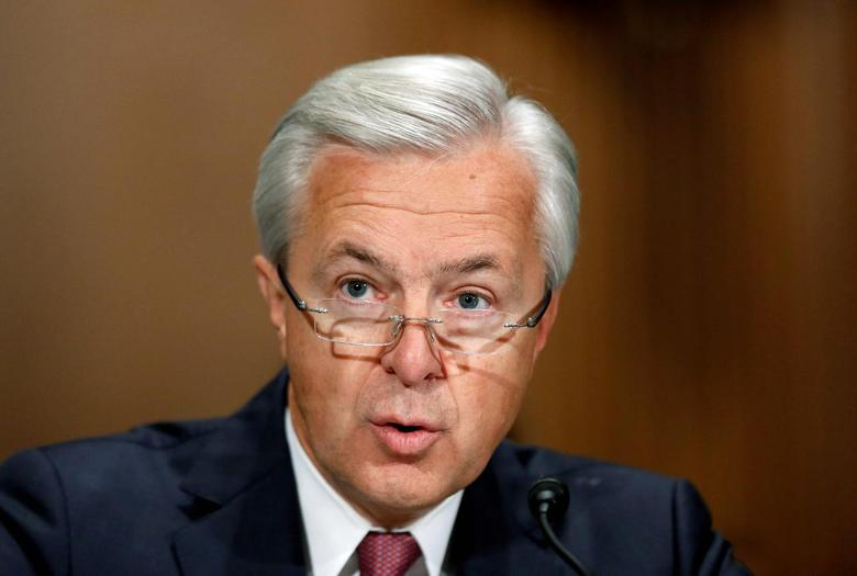 Wells Fargo CEO John Stumpf testifies before a Senate Banking Committee hearing on the firm's sales practices on Capitol Hill in Washington, U.S., September 20, 2016.   REUTERS/Gary Cameron/File Photo