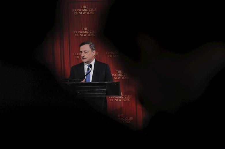 Mario Draghi, President of the European Central Bank, addresses the Economic Club of New York at a luncheon in the Manhattan borough of New York December 4, 2015. REUTERS/Lucas Jackson