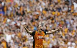 Britain Soccer Football - Hull City v Sheffield Wednesday - Sky Bet Football League Championship Play-Off Final - Wembley Stadium - 28/5/16 Hull City's Michael Dawson celebrates promotion back to the Premier League at the end of the match Action Images via Reuters / Andrew Couldridge Livepic