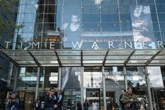 Jeff Bewkes, le directeur général de Time Warner, a affirmé lundi que le groupe de médias n'avait reçu aucune approche en vue d'une fusion autre que celle d'AT&T qui a débouché sur un accord ce week-end. /Photo prise le 23 octobre 2016/REUTERS/Stephanie Keith