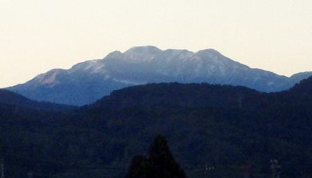 白山、立山で初冠雪
