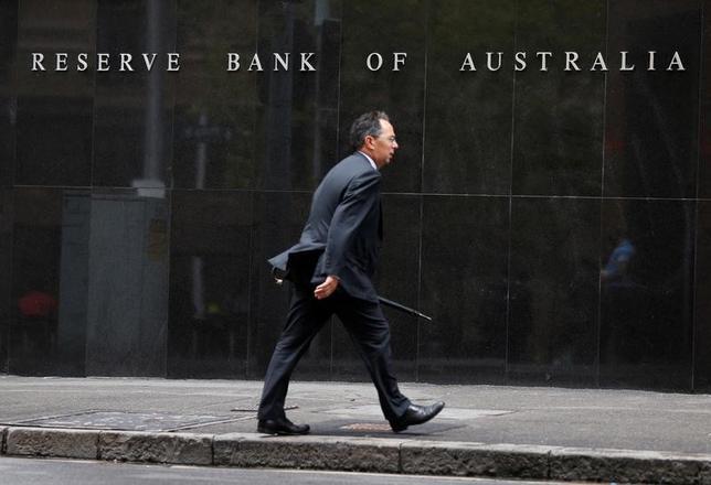 11月15日、オーストラリア準備銀行(中銀)は公表した11月の理事会の議事要旨で、インフレ見通しをめぐるリスクが「概ね均衡」しているとの認識を示した。写真はシドニーで2014年2月撮影(2016年 ロイター/Jason Reed)