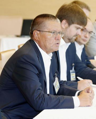 汚職容疑、ロシア経済発展相拘束
