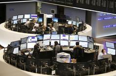 Les Bourses européennes ont terminé en hausse mardi. Le CAC 40 a terminé en hausse de 0,62%, le Footsie a gagné 0,59% et le Dax 0,39%. /Photo d'archives/REUTERS