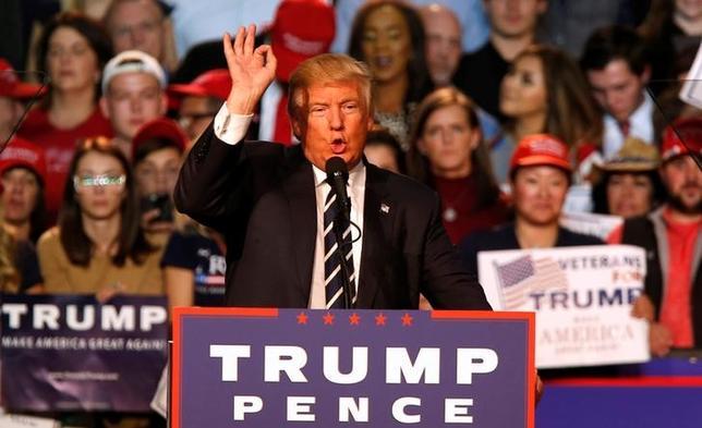 11月15日、米製造業界はトランプ次期大統領に通商政策で強硬的な姿勢ではなく、中国やメキシコなどとの関係でより含みを持たせるようなアプローチを取るよう求めている。写真はミシガン州グランドラピッズで8日撮影(2016年 ロイター/Rebecca Cook)