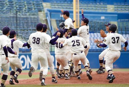 明治神宮野球、明大が6度目V