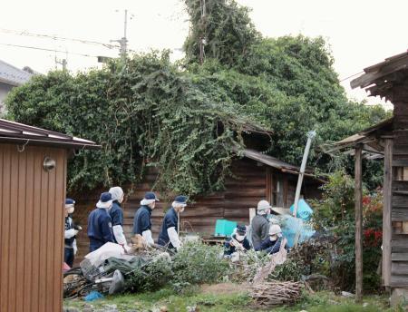 住宅に男女3人の遺体、岐阜