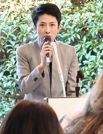 蓮舫氏、在京大使らと交流会