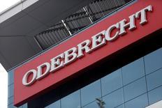 Placa da construtora Odebrecht é fotografada em Lima, Peru 28/06/2016 REUTERS/Janine Costa