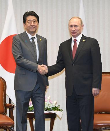 首相、プーチン大統領と会談