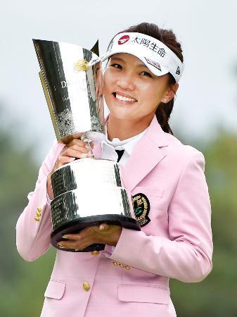 女子ゴルフ、ルー最少スコアでV