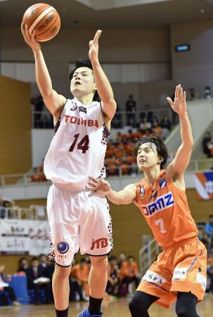 バスケ、川崎が競り勝つ