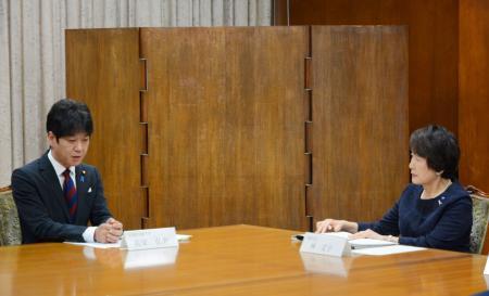 文科省幹部が横浜市長らと面談