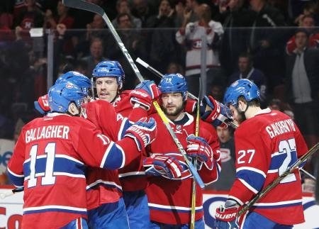 NHLカナディアンズ首位を保つ