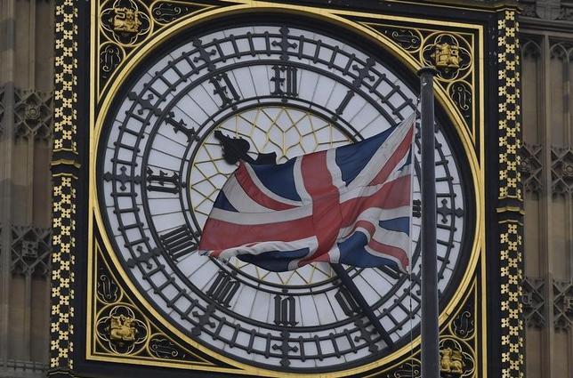 11月21日、今年の英国版ブラックフライデー(11月25日)の売上高は、過去最高となった昨年の規模を上回る見通しだ。写真はロンドンで4日撮影(2016年 ロイター/Toby Melville)
