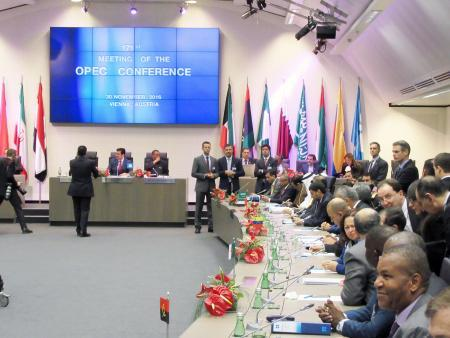 OPEC、減産で最終合意