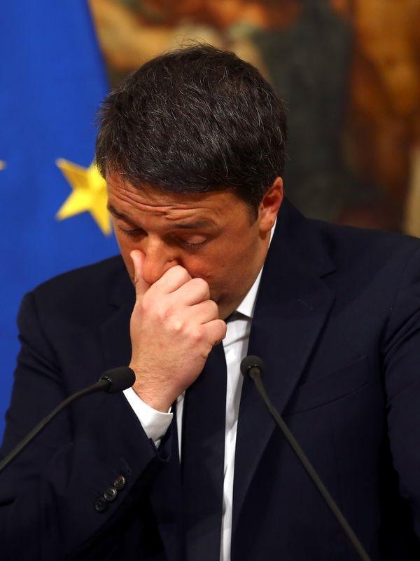 Renzi perde il referendum e rassegna le dimissioni