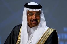 El ministro de energía saudita, Khalid al-Falih, durante un congreso en Estambul. 10 de octubre de 2016. Arabia Saudita produjo volúmenes récord de petróleo en noviembre, en momentos en que se apresta a contribuir a un acuerdo global para reducir los suministros mundiales y en desafío de las expectativas de los mercados sobre un menor bombeo. REUTERS/Murad Sezer