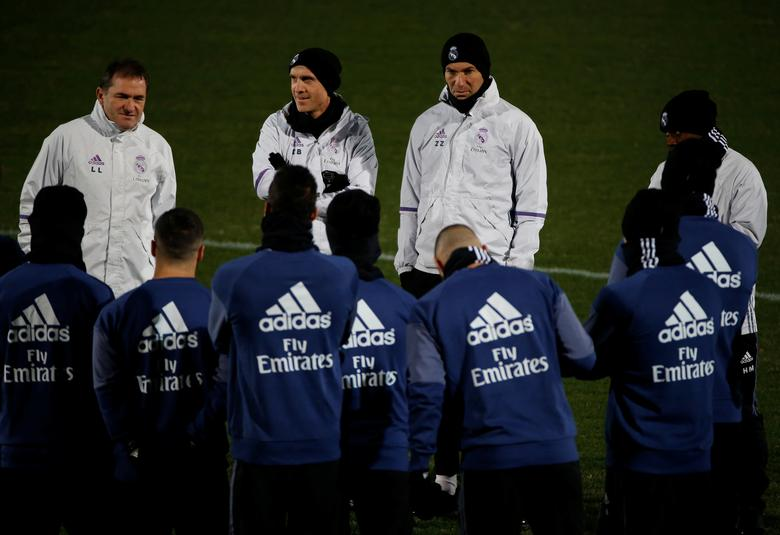 Real Madrid's head coach Zinedine Zidane and players attend training session ahead of FIFA Club World Cup Semi-Final match against Club America. Real Madrid training - FIFA Club World Cup - Yokohama, Japan - 12/12/16. REUTERS/Issei Kato