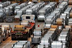 Un camión en la planta acercera China Steel en Kaohsiung, Taiwán, ago  26, 2016. Las siderúrgicas chinas aumentaron su producción de acero en noviembre a su ritmo más acelerado en más de dos años, mostraron datos, luego de que una sólida demanda de infraestructura llevó a los productores a incrementar la fabricación por noveno mes consecutivo.  REUTERS/Tyrone Siu/File Photo