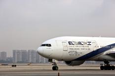 An El Al Airlines aircraft is seen at Ben Gurion International Airport near Tel Aviv, Israel July 14, 2015. REUTERS/Nir Elias/File Photo
