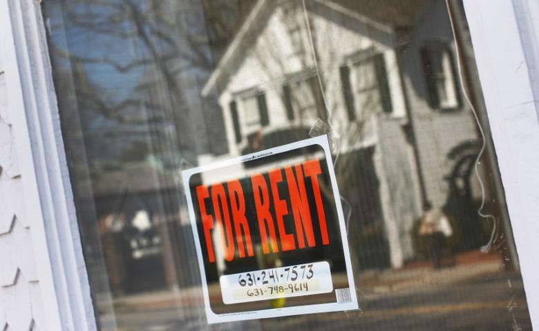 FILE PHOTO - A rent sign is seen in Riverhead, New York, March 22, 2012.  REUTERS/Shannon Stapleton
