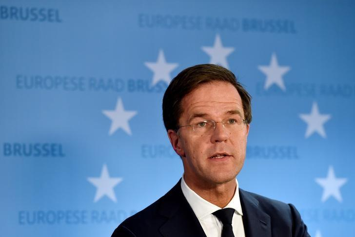 Netherlands' Prime Minister Mark Rutte holds a news conference during an EU Summit at the European Council headquarters in Brussels, Belgium December 15, 2016. REUTERS/Eric Vidal/Files