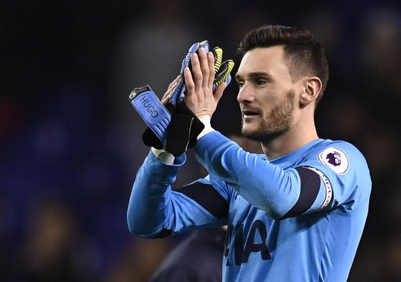 Tottenham Hotspur v Burnley - Premier League - White Hart Lane - 18/12/16 Tottenham's Hugo Lloris applauds fans after the game  Reuters / Dylan Martinez Livepic
