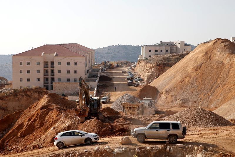 Conselho de Segurança da ONU exige fim de assentamentos israelenses; EUA se abstém
